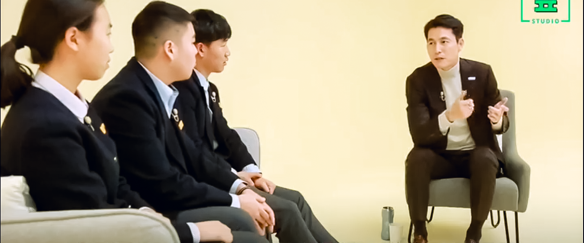 Ambassador Jung Woo Sung with the YOUNG GENERATION